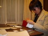 リングピローを作る野村さん2
